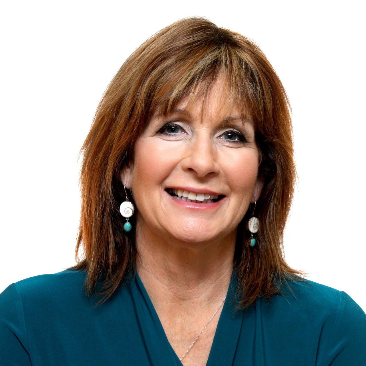 Lorraine Lloyd Headshot